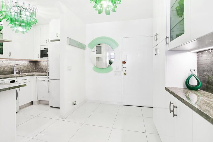421 E 78th St #2D Lenox Hill, Manhattan, NY 10075 - 1 Bed for sale